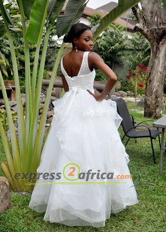 Scoop Neck Lace Bridal Gown - White